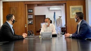 El mandatario trelewense se reunió  con funcionarios nacionales.