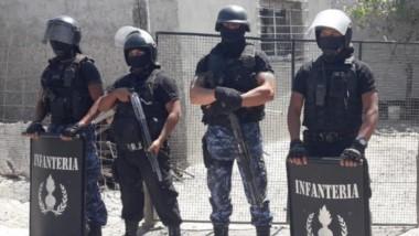 La Brigada de Investigaciones contó con el apoyo de la Guardia de Infantería mientras desarrolló la requisa.