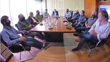 Cumbre en el Valle. Los intendentes del PJ emitieron un comunicado por la crisis del sistema educativo que atraviesa la provincia.