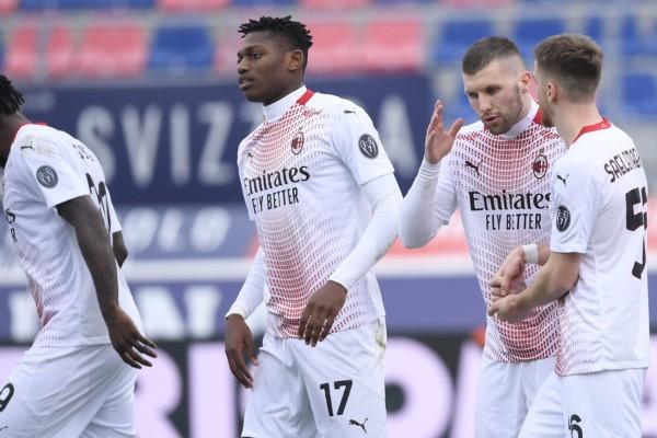 Milan le ganó 2 a 1 a Bologna y sigue siendo el único puntero.