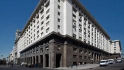 El edificio del Ministerio de Economía de la Nación, frente a la Casa Rosada