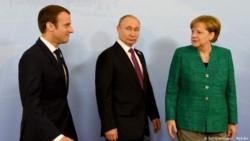 Tres potencias. Un diálogo -que fue telefónico, la foto es de archivo- necesario sobre un asunto muy espinoso para el equilibrio geopolítico en Europa.