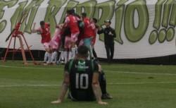 Oeste ganó 3-2 ante San Martín de San Juan (perdía 0-2) y sueña con la vuelta a primera división.
