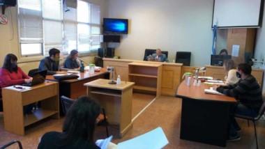 El debate por abuso policial se desarrolla en los tribunales de Esquel.