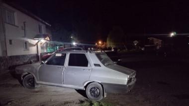 El iracundo sujeto se movilizaba en un Renault 12 que fue incautado.