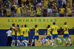 Doblete de Raphinha para el 3-0 de Brasil frente a Uruguay.