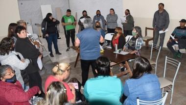 Asamblea. Los trabajadores no acatan la conciliación y critican la conducción de Guillermo Quiroga.