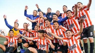 """Los jugadores de Racing celebran la clasificación a la final. Además, la """"Academia"""" vuelve al Regional."""