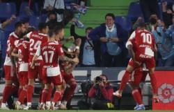 De visitante, el equipo del Chacho aplastó 3-0 a Getafe, cerrando la fecha 10 de La Liga.