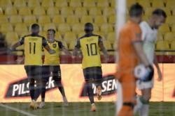 Tres goles de Ecuador a Bolivia en cinco minutos para solventar el partido por la vía rápida.