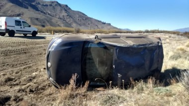 El accidente sucedió a 8 kilómetros del  acceso sur de El Maitén.