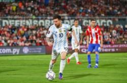 Argentina, mientras sostuvo el ritmo con pelota, encontró las debilidades de Paraguay, pero no pudo terminar los ataques y lo dejó con vida.