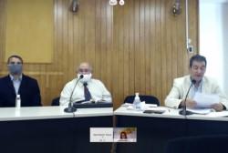 Pala, el acusado, a la izquierda junto a su abogado defensor. Heiber, el fiscal, pidiendo su absolución. (Foto: Ministerio Público Fiscal)