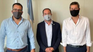 Gustavo Simieli y Matías Taccetta junto a Matías Lammens, ministro de Turismo y Deportes de la Nación.