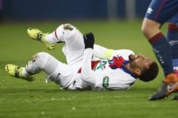 Neymar, afuera de la ida ante Barcelona por lesión.
