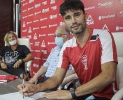 Claudio Caniggia estuvo presente de la firma de Yacob.