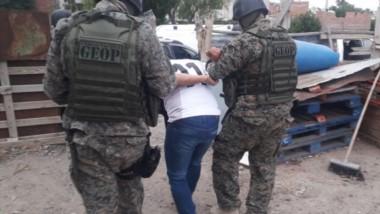 El delincuente nuevamente es detenido por la Policía del Chubut por quedar filmado en otro de sus robos.