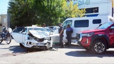 El menor iba con su padre. El taxista sufrió golpes y también tuvo que ser examinado en el Hospital Margara.