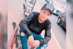 El joven de 19 años de nacionalidad peruano que fue filmado cuando fue arrojado de un puente en Colombia luego de recibir insultos.