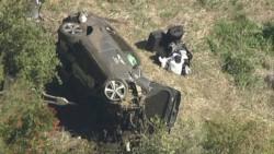 Woods fue rescatado por los bomberos y paramédicos angelinos, tras volcar su automóvil.