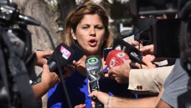 Liliana Guerra y Gladys Olavarría anunciando que hoy se realizará una audiencia por la muerte de Ronald.