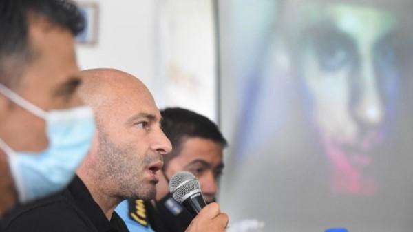 El ministro Federico Massoni junto al jefe y subjefe de Policía. Fue muy crítico con la jueza Fernanda Révori.