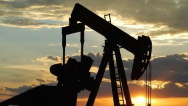 Esperanza. La suba del barril de petróleo es una esperanza para que haya más ingresos en la provincia.