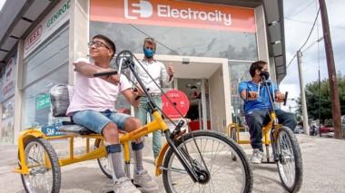 Con estas bicicletas, Thomas y Jeremías podrán pasear por la ciudad.