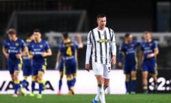 Pese a adelantarse con un tanto de Cristiano Ronaldo, la Juventus (3ª) no pudo pasar del empate 1-1 en su visita al Hellas Verona (9º).