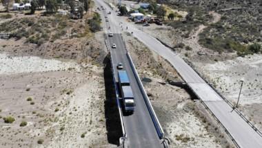 Vialidad Nacional repavimentó el puente para mejorar el tránsito.