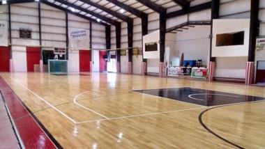 El Gimnasio del Club Independiente Deportivo será el centro operativo para avanzar con la vacunación.