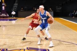 Facundo Campazzo: por una lesión, sólo jugó dos minutos para Denver Nuggets frente a Los Angeles Lakers.