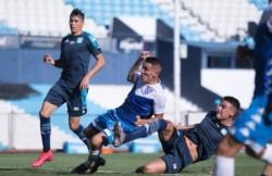 Centurión cerró una buena jugada de Vélez y anotó de cabeza el 1-0 contra Racing.