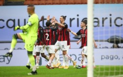Gran victoria del Milan para mantener el liderazgo una semana más.