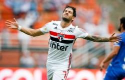 Pato, delantero brasileño de 31 años que jugó en Milan, Chelsea y Corinthians, entre otros.