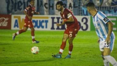 A falta de 18' para el final, se suspendió el partido entre Atlético Tucumán y Huracán, debido a las malas condiciones climáticas. Continúa hoy en dos tiempos de 9'.