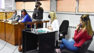 Los defensores públicos Sergio Rey y Romina Rowlands expusieron sobre las condenas a sus defendidas.