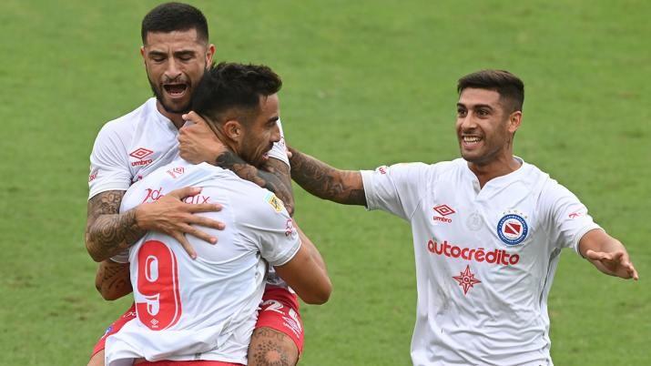 Argentinos frenó a Colón y lo dejó afuera de la Copa Argentina