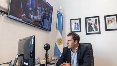 Juan Pablo Luque durante la videoconferencia con el presidente de YPF.