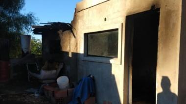 En el domicilio donde se investiga un presunto ajuste de cuentas, los efectos del fuego fueron dañinos.