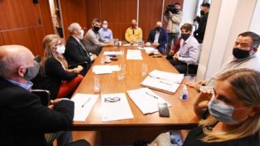 Los legisladores recibieron en el despacho del Frente de Todos a José Grazzini, ministro de Gobierno.