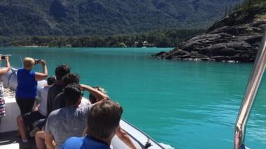 Hasta el límite con Chile. Paseos nauticos por el lago Puelo.