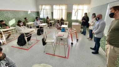 El equipamiento será utilizado en los laboratorios de esas instituciones de la ciudad
