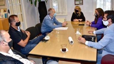 De la reunión participó el ministro Puratich.