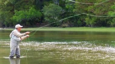 Hasta el 31 de mayo está habilitada la pesca deportiva en el Río Futaleufú, cercano a la localidad de Trevelin.