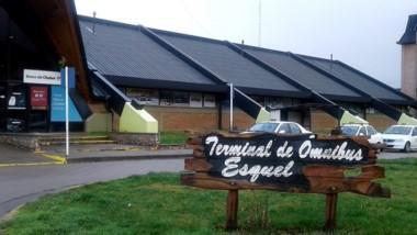 La terminal de Esquel otra vez estuvo en el foco de la polémica.