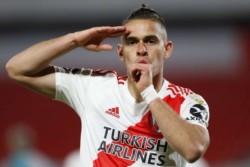 Gremio le puso los puntos a Rafa Santos Borré. El club brasileño desiste de contratar al delantero colombiano, cuyo futuro podría estar en Inglaterra.