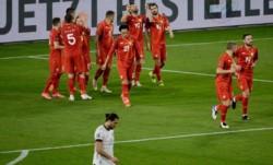La hazaña de Duisburg. Alemania perdió 2 veces en Eliminatorias en casi 4 décadas: 1-5 vs. Inglaterra en 2001, y 1-2 vs. Macedonia del Norte en 2021.