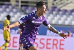 Con un cabezazo, el Chino anotó por primera vez para la Fiorentina: fue el 1-0 parcial ante Parma.