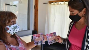 Funcionarias comprometidas. En Lago Puelo, las mujeres siguen luchando por sus derechos. Hoy se realizará un Paro Internacional.